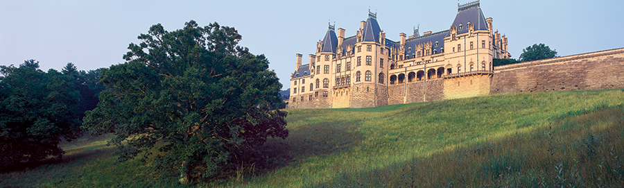 west view of the back of Biltmore House