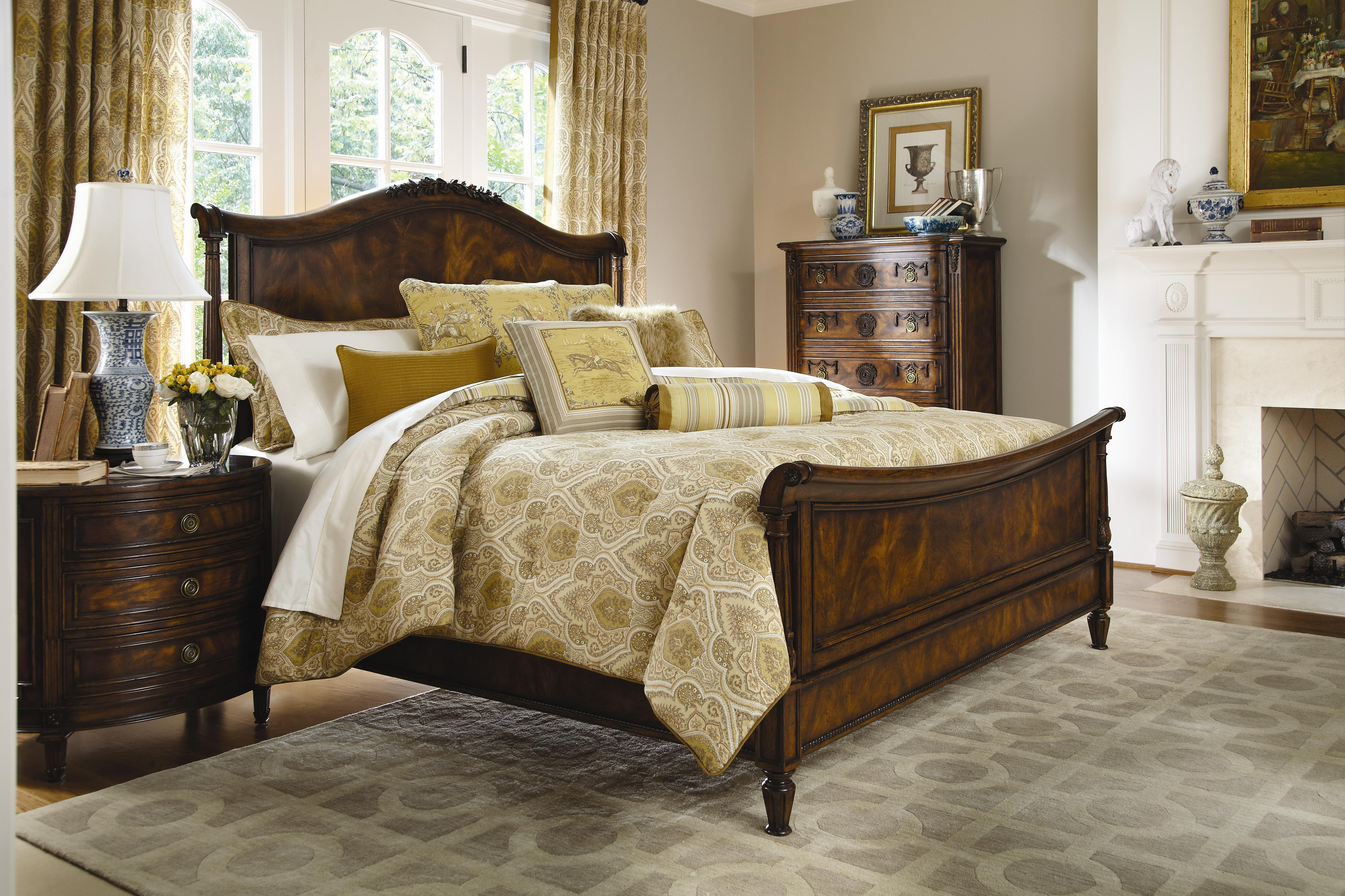 classic equestrian-themed bedding | biltmore