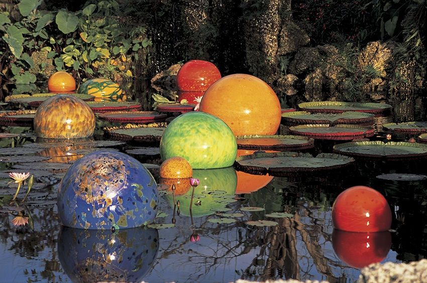 Chihuly-globes-850x563