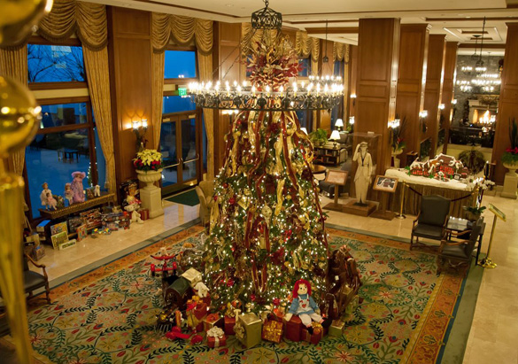 The Inn's Lobby at Christmas, decorated by Lizzie's team in 2015