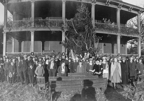 Biltmore employee Christmas party, 1916