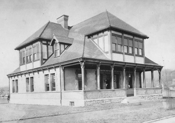 1 Biltmore Plaza in Biltmore Village, 1895