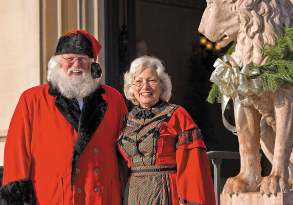 Santa Claus and Mrs. Claus at the entrance to Biltmore House