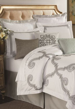 Stuyvesant Comforter Set Biltmore