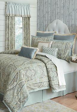 Grand Paisley Comforter Set