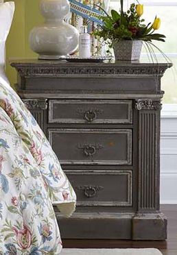 Hunt's 3-Drawer Chest