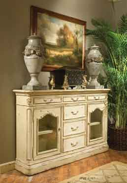 Tres Charmant Sideboard