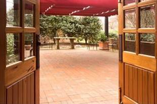 Lioncrest Courtyard